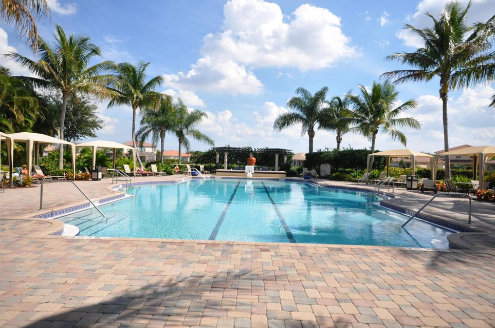 Mirabella's Pool