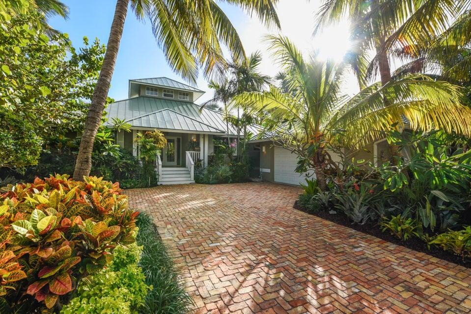 12 Coconut Lane, Tequesta, FL 33469