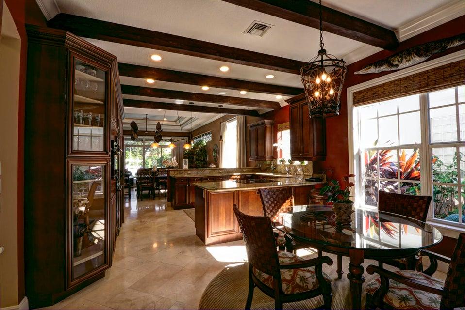 Baytowne Kitchen & Breakfast Area TheSha