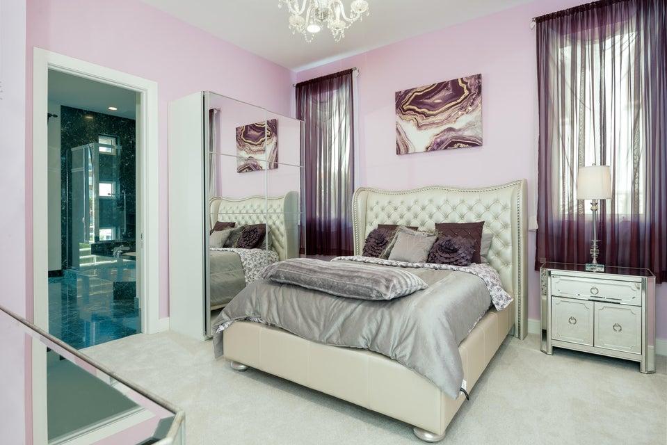 3rd Floor-Guest Bed #1