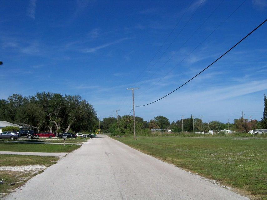 2703 Cherokee Avenue, Fort Pierce, Florida 34946, ,Duplex,For Sale,San Lucie Plaza,Cherokee,RX-10390798