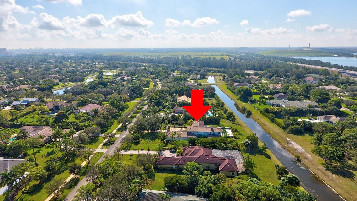Easy access to I95 & FL Turnpike