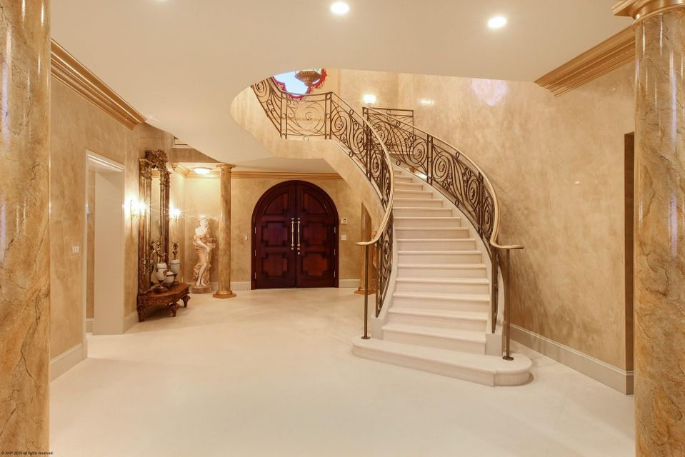 Front Entrance/Staircase