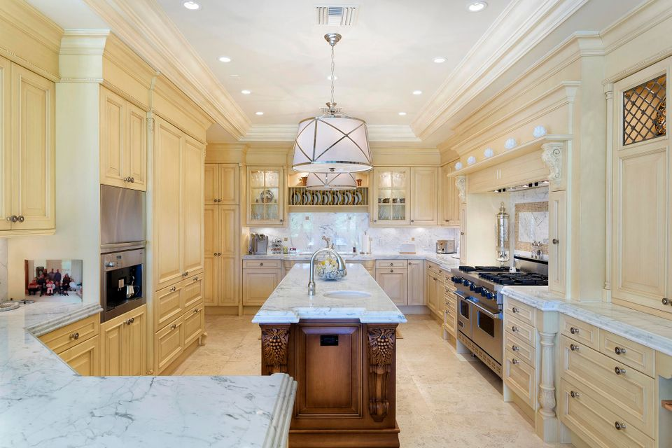 Sizable kitchen