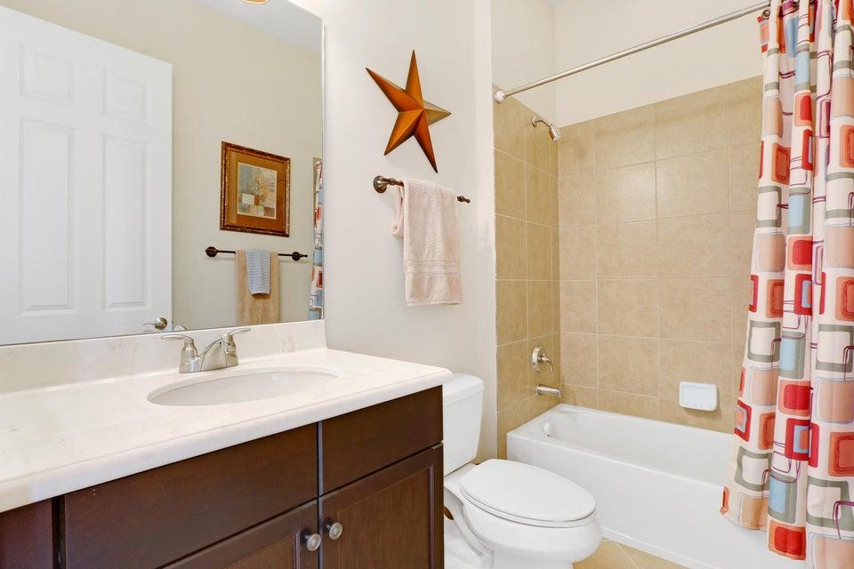 BR 2 Bath