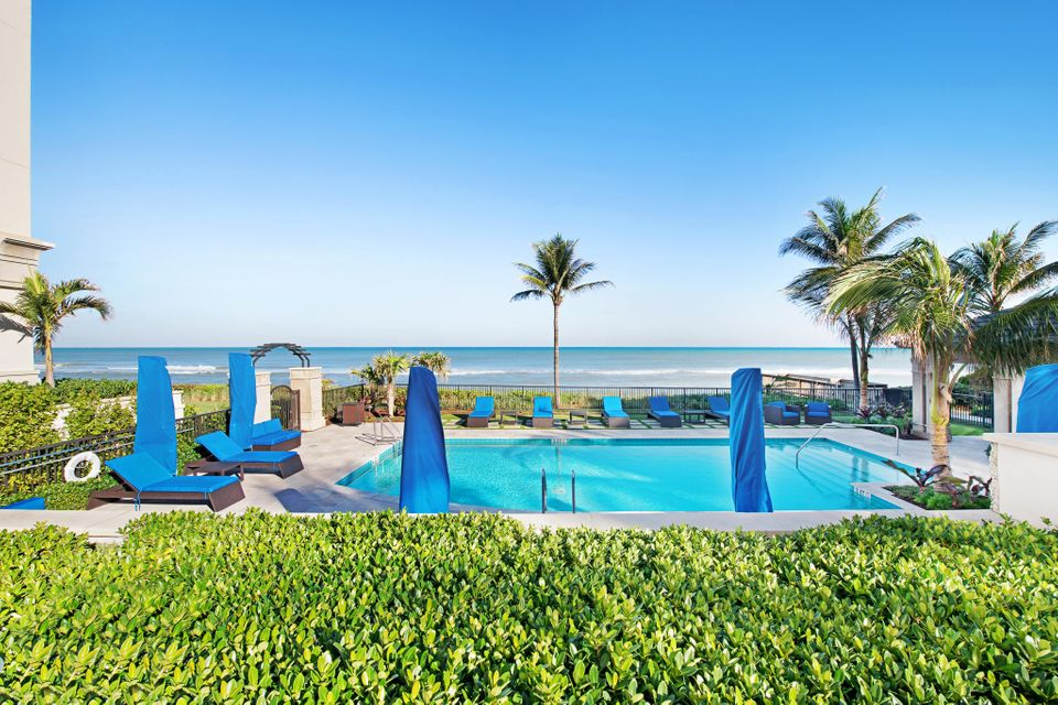 Amenities Pool overlooking Ocean