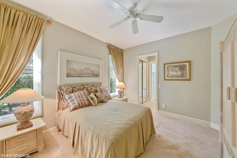 Bedroom 3 w/en suite bath
