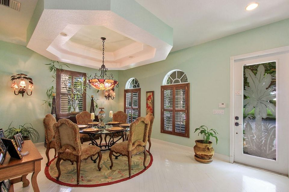 Dining Entry