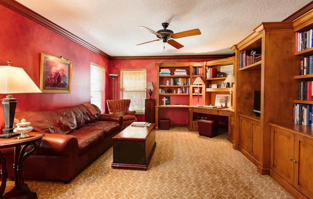 Den | Guest Suite