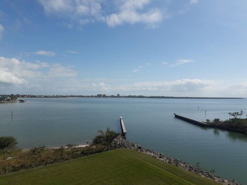 4 Harbour Isle Drive,Fort Pierce,Florida 34949,2 Bedrooms Bedrooms,2 BathroomsBathrooms,Condo/coop,Harbour Isle,RX-10398500