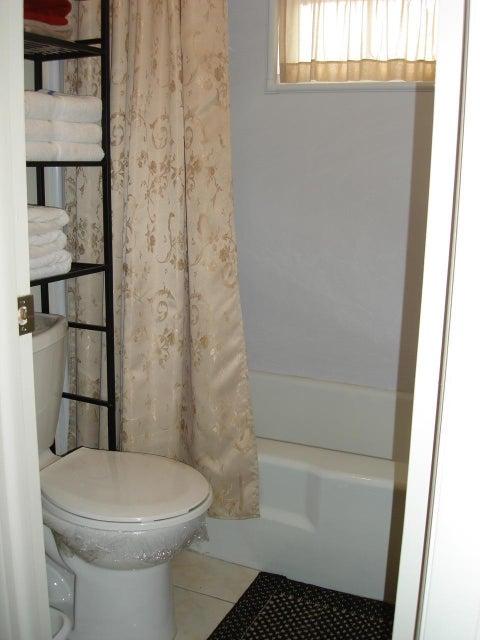 4281 41st Street, Lauderdale Lakes, Florida 33319, 1 Bedroom Bedrooms, ,1.1 BathroomsBathrooms,Condo/Coop,For Sale,OAKLAND ESTATES DIAMOND CONDO,41st,3,RX-10399142