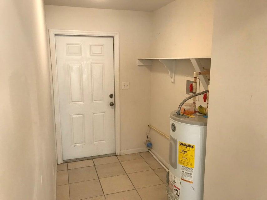 5014 Pinewood Avenue, West Palm Beach, Florida 33407, ,Duplex,For Sale,Pinewood,RX-10326900