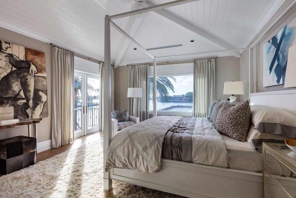 30 VIP Bedroom