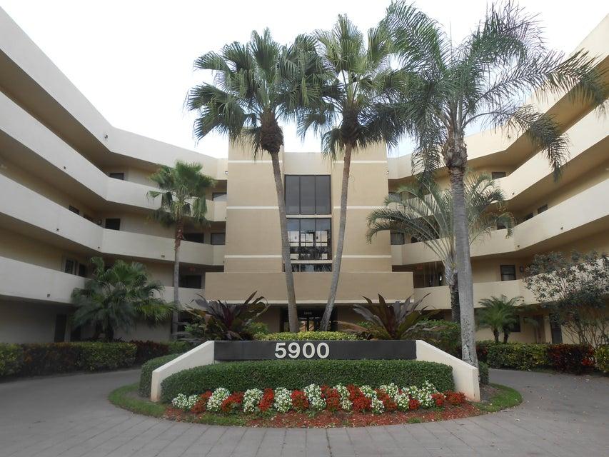 5900  Camino Del Sol #401 Boca Raton, FL 33433