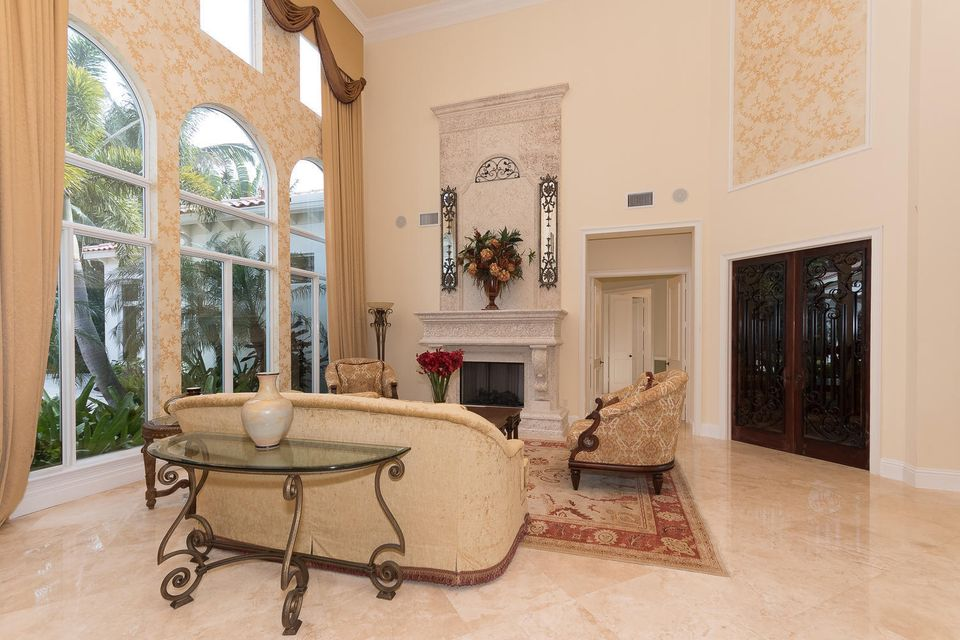 653 Hermitage Cir Palm Beach-large-006-1