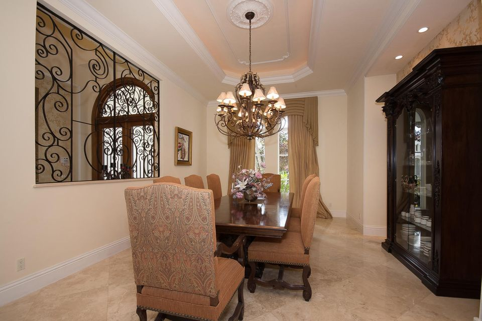 653 Hermitage Cir Palm Beach-large-008-8