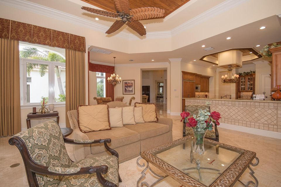 653 Hermitage Cir Palm Beach-large-024-1