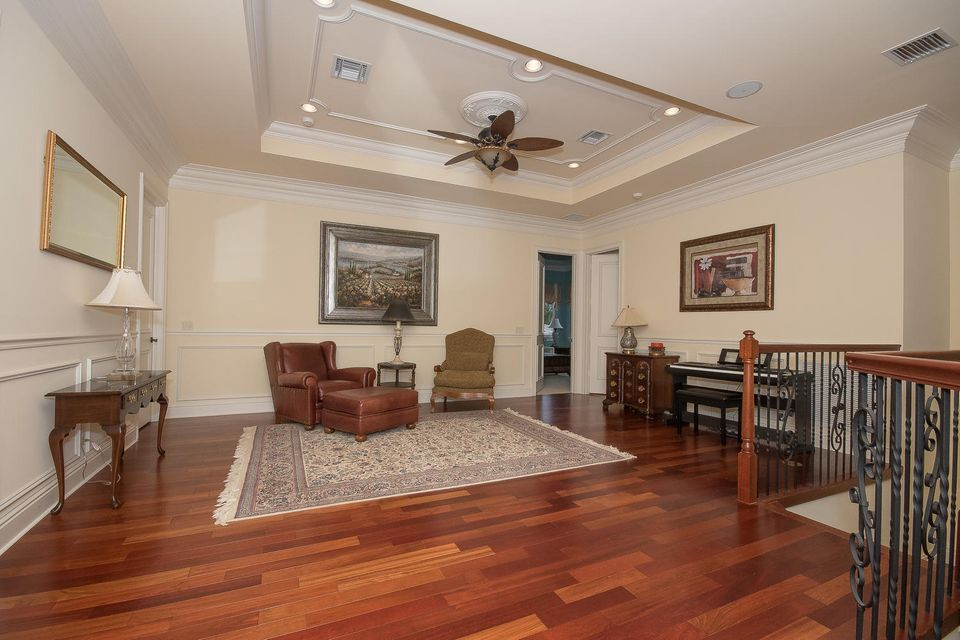 653 Hermitage Cir Palm Beach-large-056-5