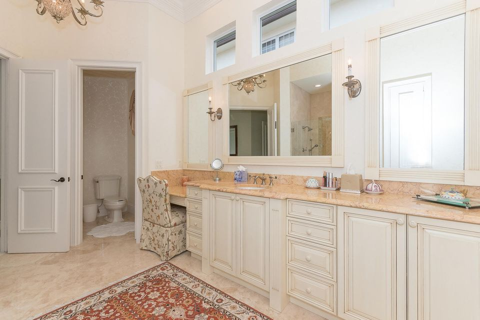 653 Hermitage Cir Palm Beach-large-051-6