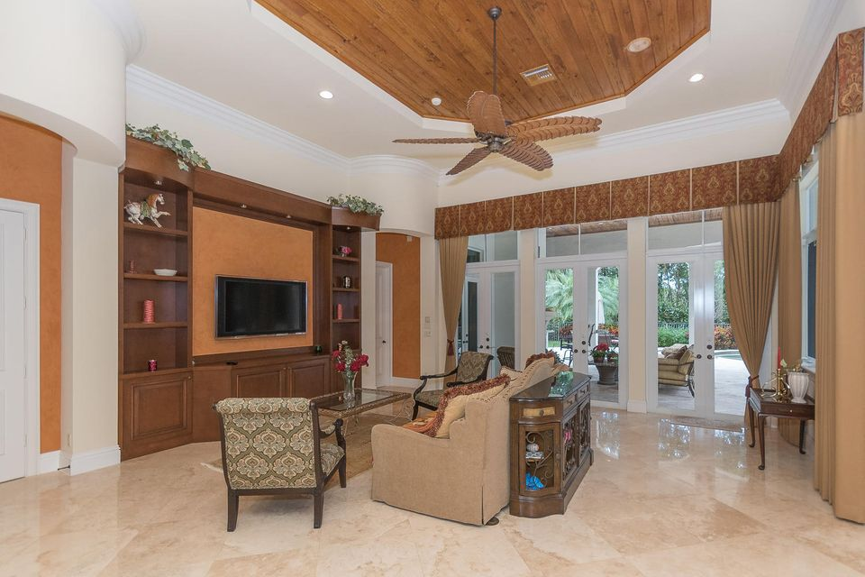 653 Hermitage Cir Palm Beach-large-079-6