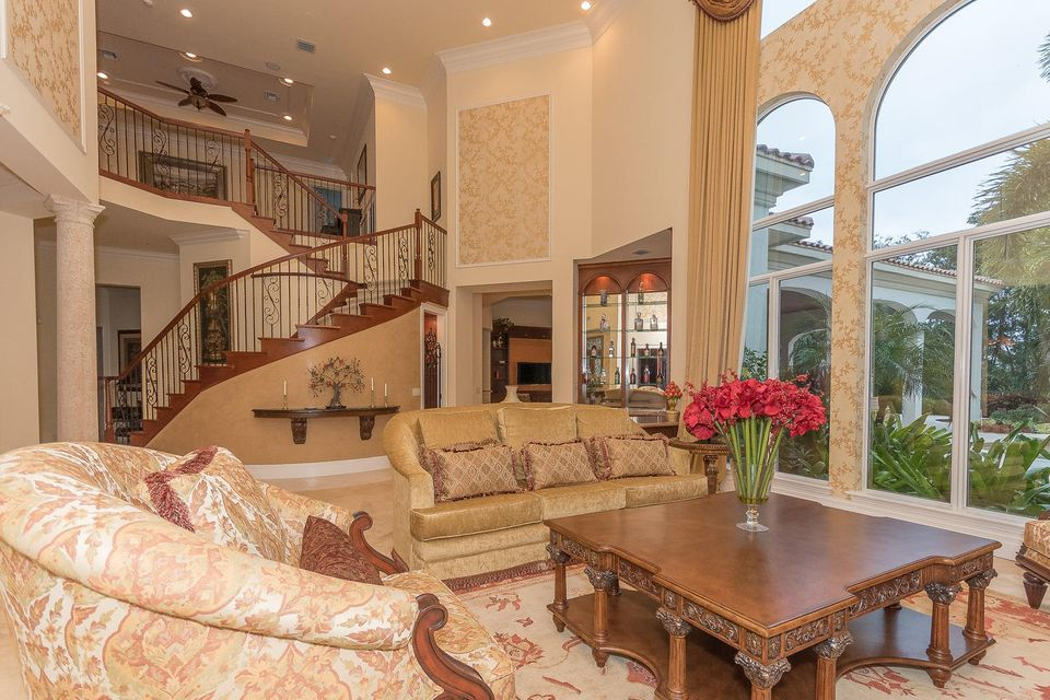 653 Hermitage Cir Palm Beach-large-085-6