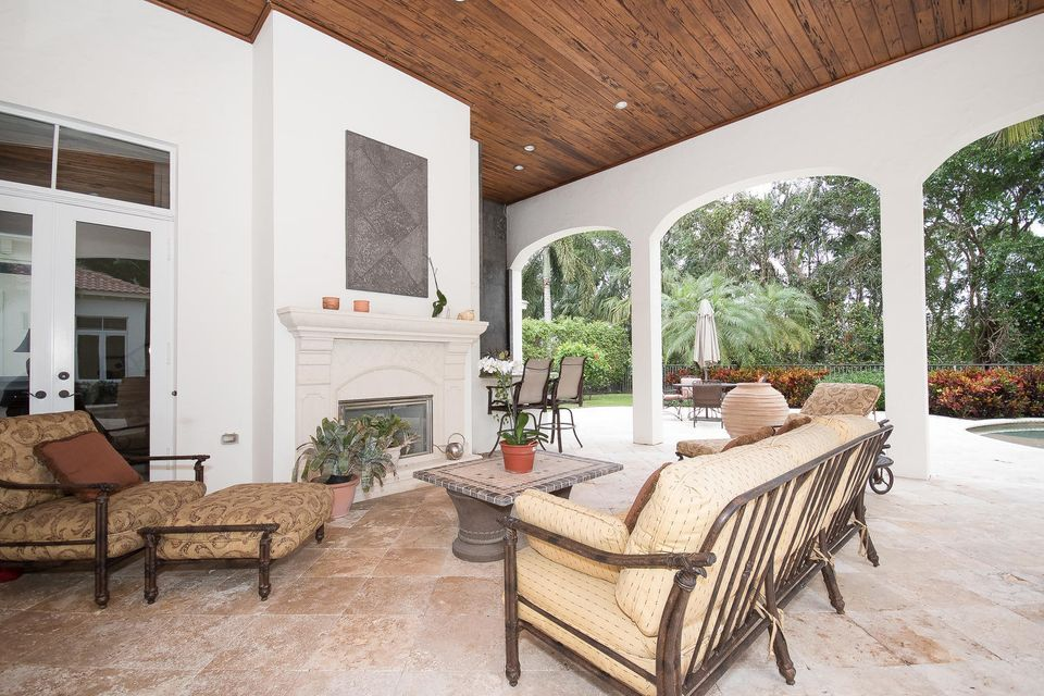 653 Hermitage Cir Palm Beach-large-086-1