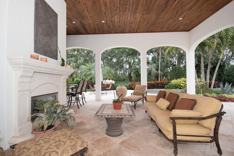 653 Hermitage Cir Palm Beach-large-087-1