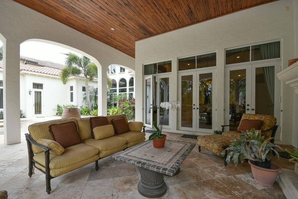 653 Hermitage Cir Palm Beach-large-094-9