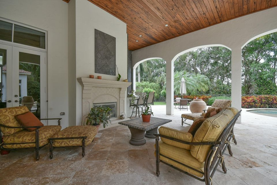 653 Hermitage Cir Palm Beach-large-095-8