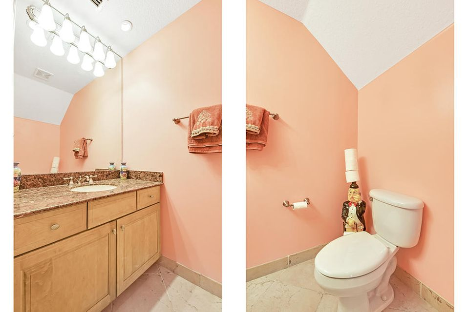 1/2 Bath/Powder Room