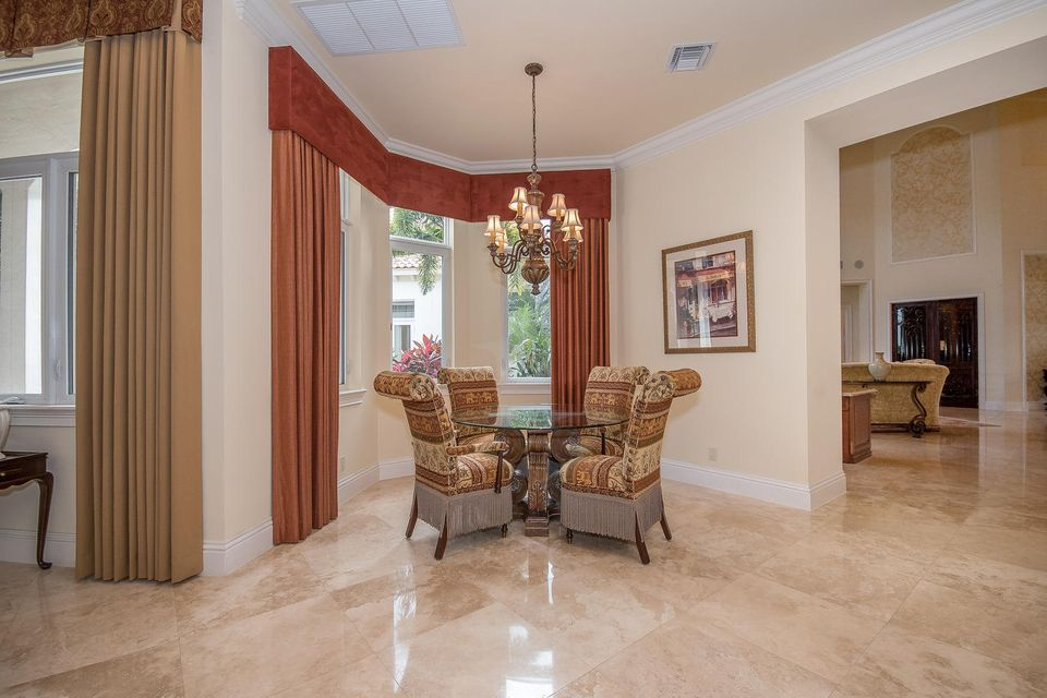 653 Hermitage Cir Palm Beach-large-013-7