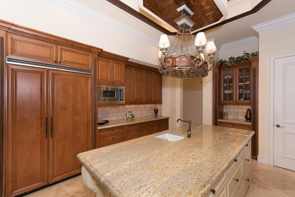 653 Hermitage Cir Palm Beach-large-022-2