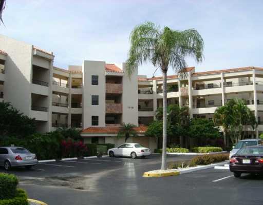 7508  La Paz Court #208 Boca Raton, FL 33433