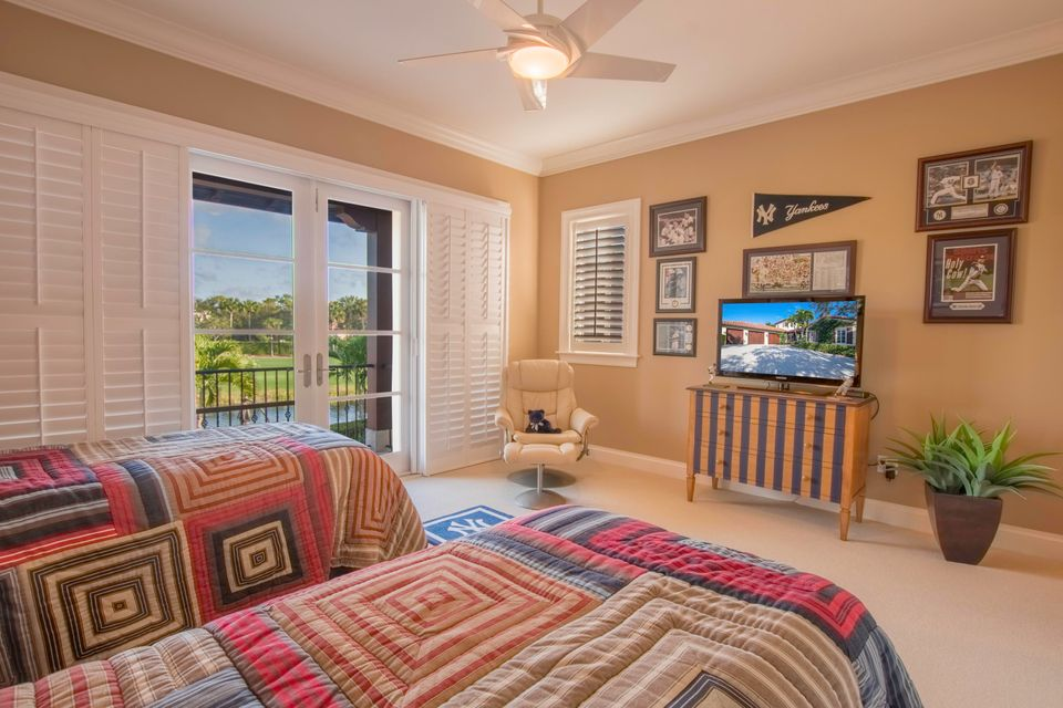 GUEST SUITE WITH BALCONY