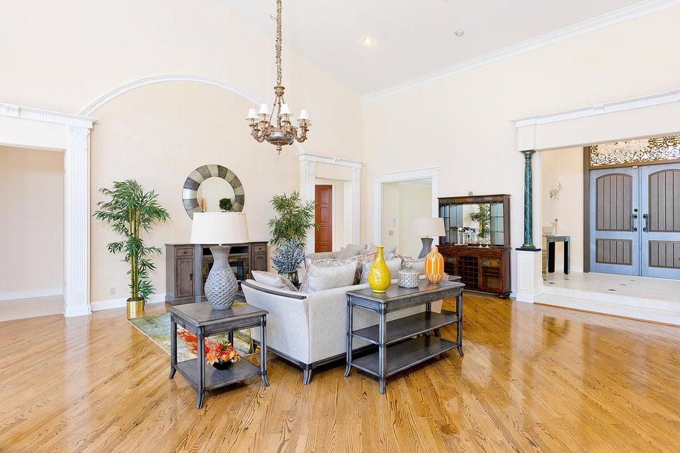 14_Livingroom_Entrance_a copy