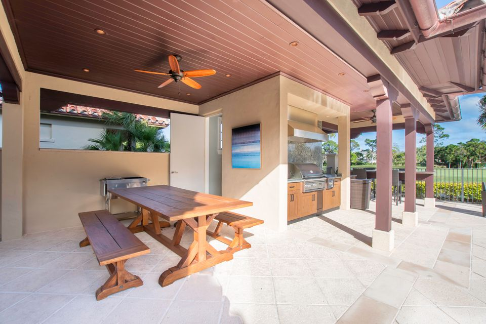 CABANA, DINING AND ENTERTAINMENT AREA