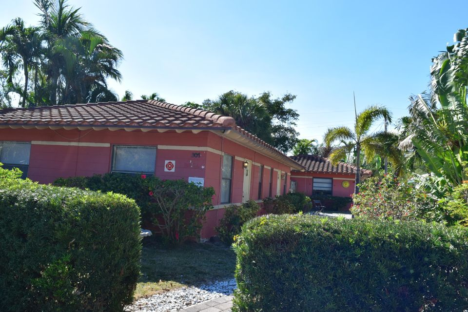 Pompano Beach, Florida 33062, ,Triplex,For Sale,POMPANO BEACH PARK,RX-10406627