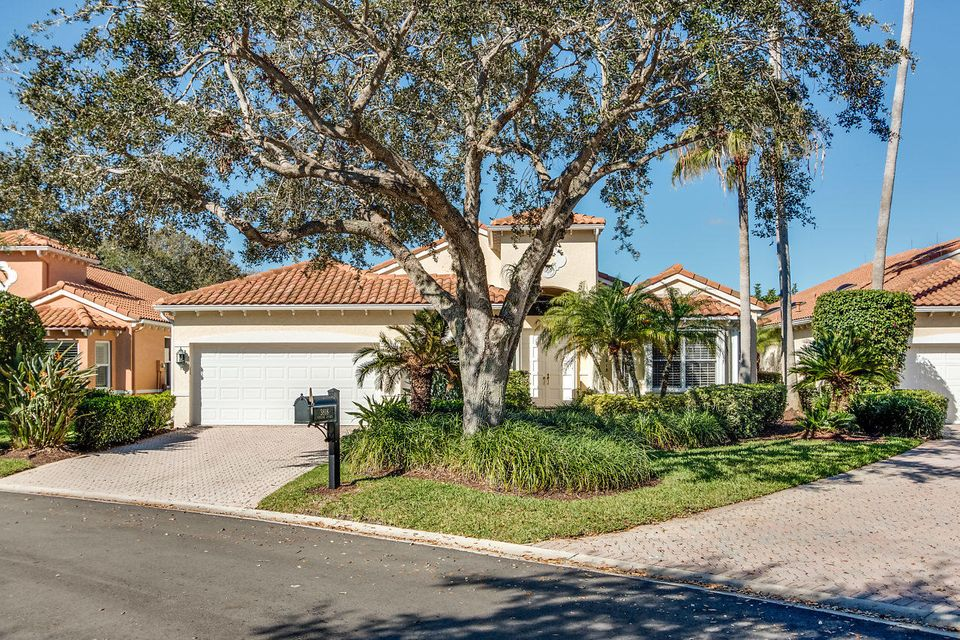 003-3818OutlookCt-Jupiter-FL-small