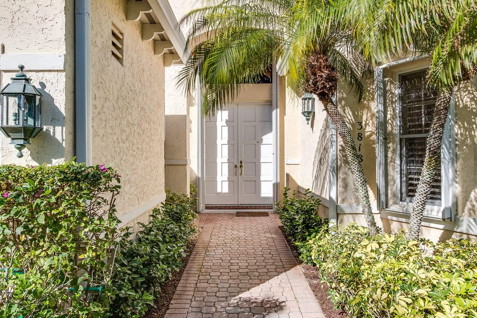 004-3818OutlookCt-Jupiter-FL-small