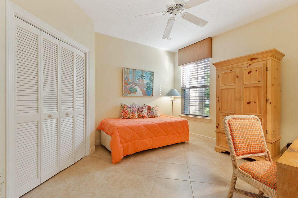 012-3818OutlookCt-Jupiter-FL-small