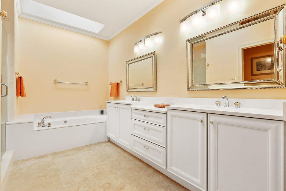 014-3818OutlookCt-Jupiter-FL-small