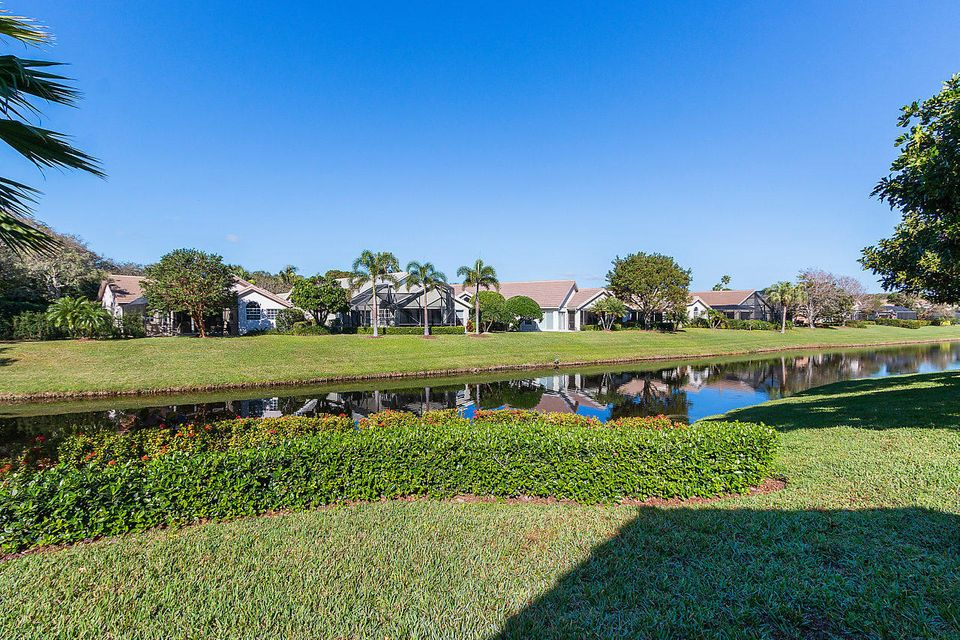 031-3818OutlookCt-Jupiter-FL-small
