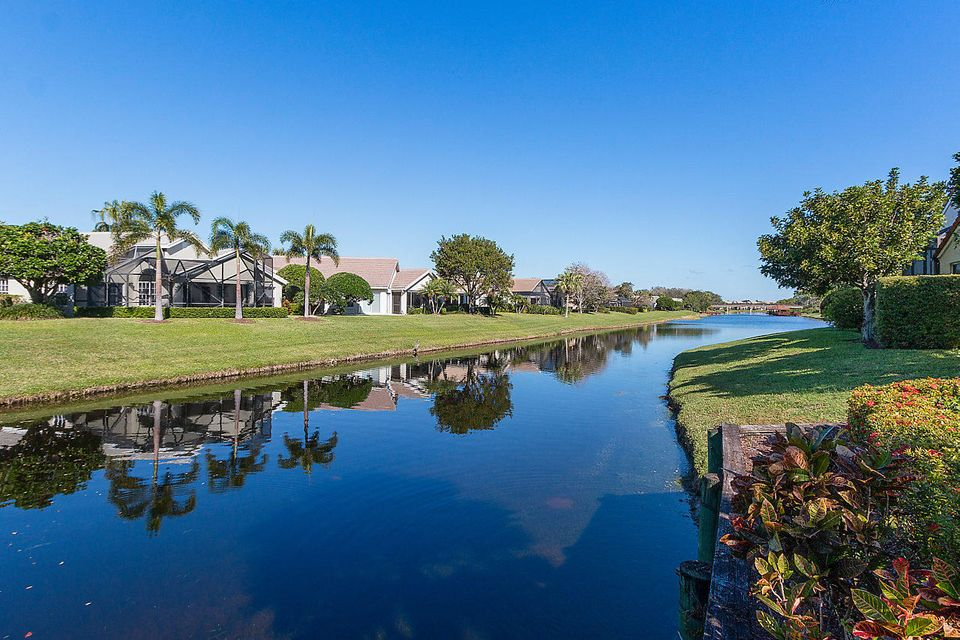 032-3818OutlookCt-Jupiter-FL-small