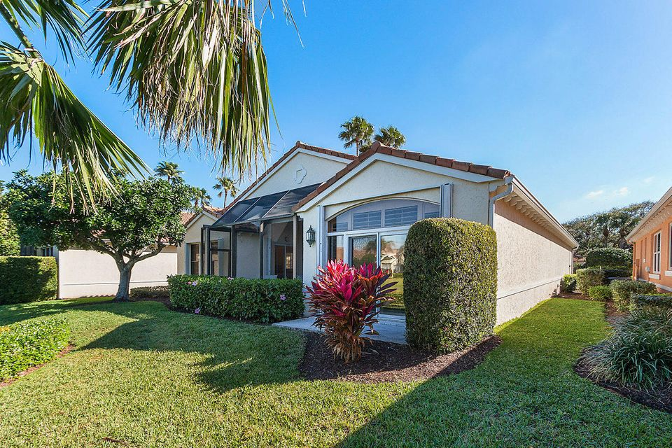 033-3818OutlookCt-Jupiter-FL-small