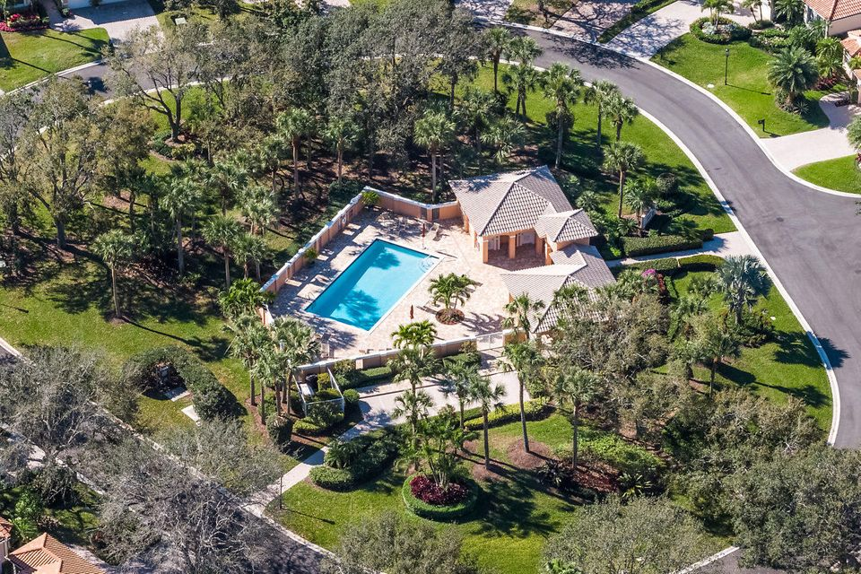 047-3818OutlookCt-Jupiter-FL-small