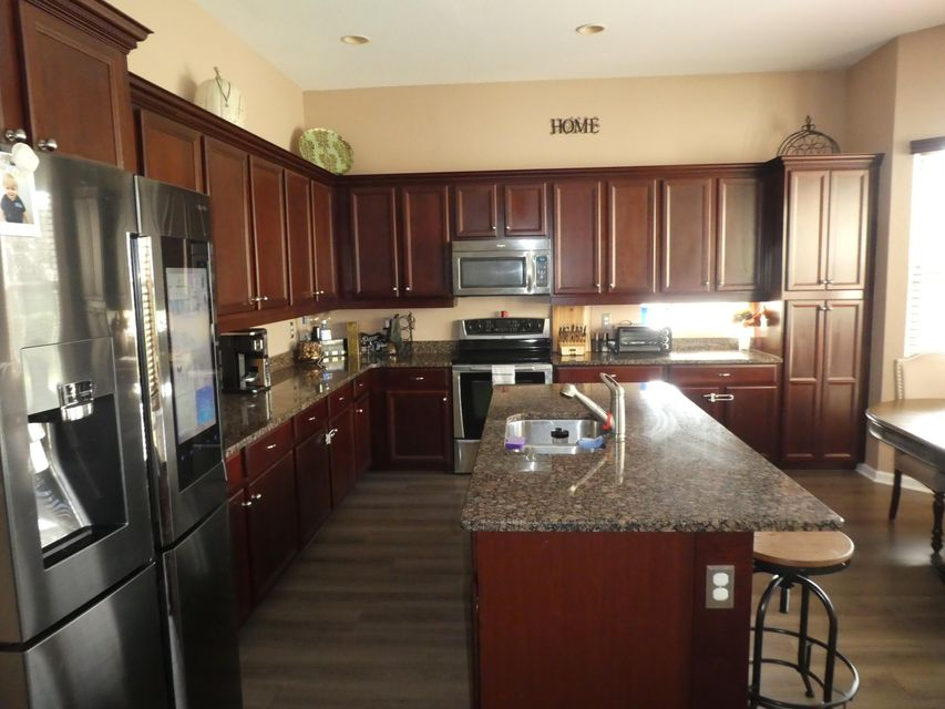 4 2 1 In Knollwood For Sale 429 900