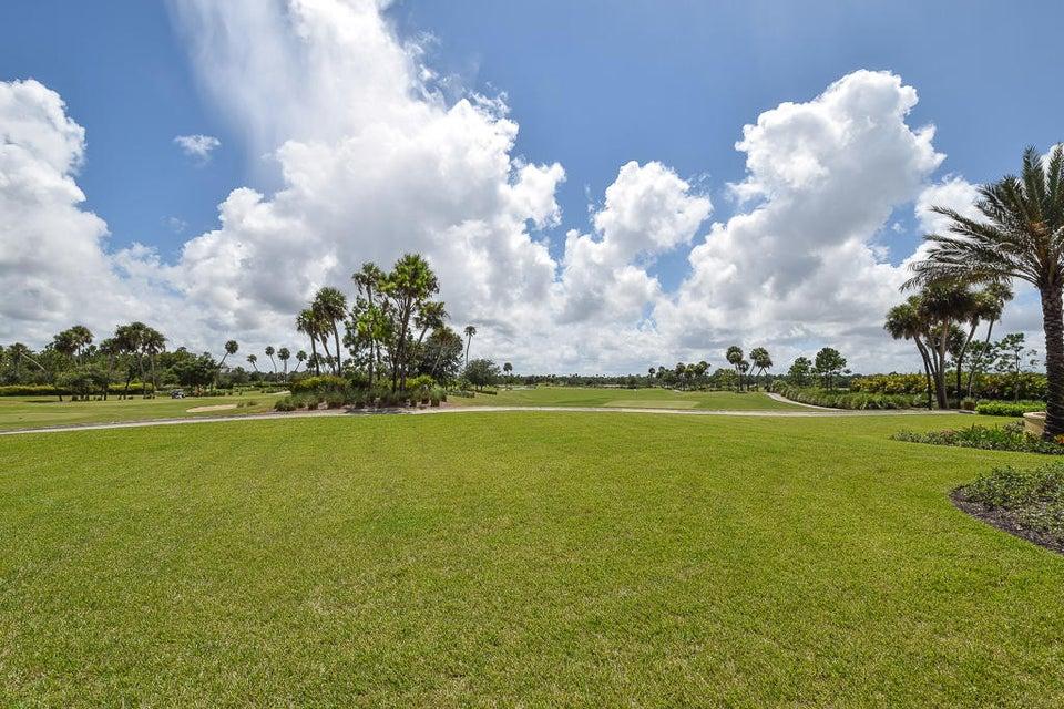 Prestigous Greg Norman Golf Course