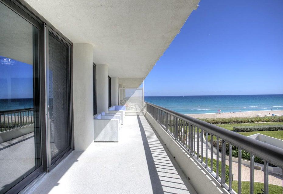 23 Balcony