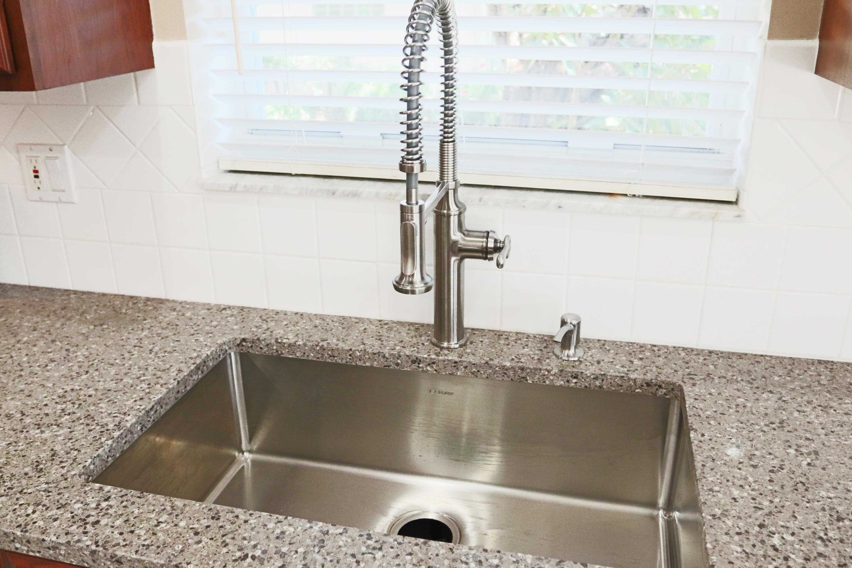 Kitchen sink - deep stainless + Quartz