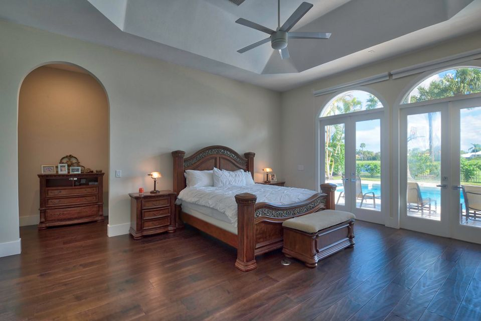 51 St. George Master BEDROOM.2jpg